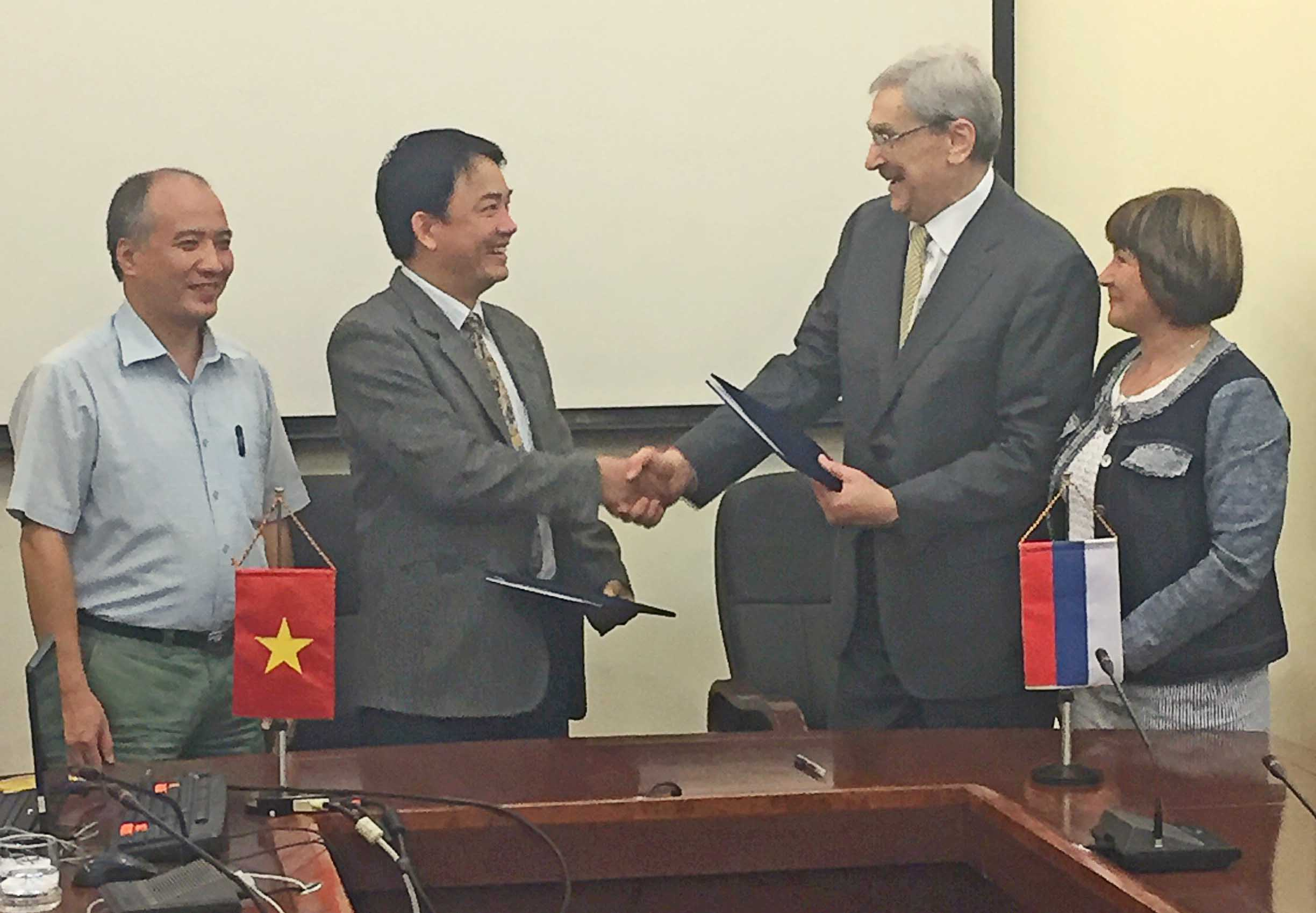 Signing the Memorandum of Understanding between the Nuclear Safety Institute of the Russian Academy of Sciences and Vietnam Atomic Energy Institute of the Ministry of Science and Technologies of the Socialist Republic of Vietnam